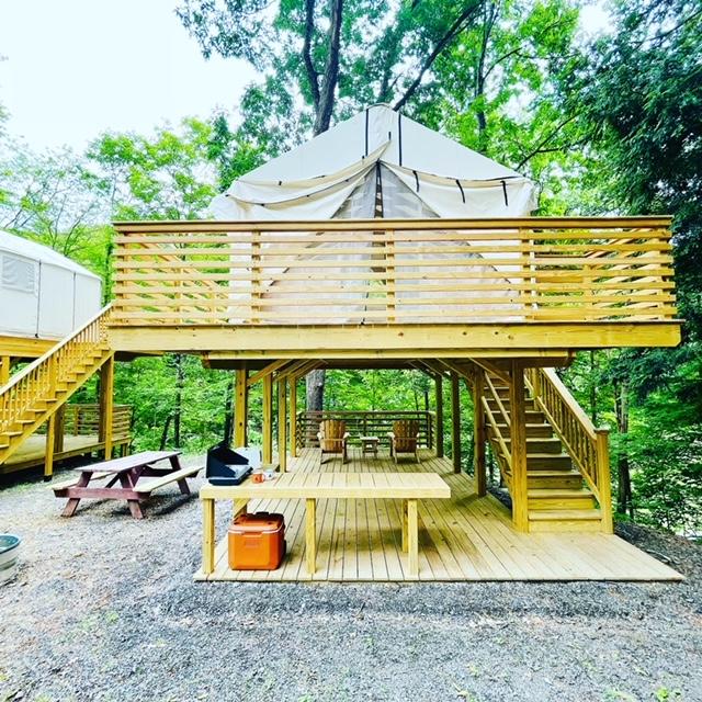 Greene Treetopia Glamping with deck